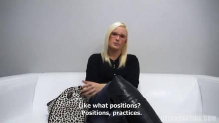 Кастинг со взрослой, сексуальной блондинкой