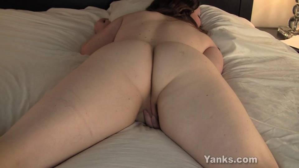 Секс съемки скрытно женщин лежащих на животе — photo 1