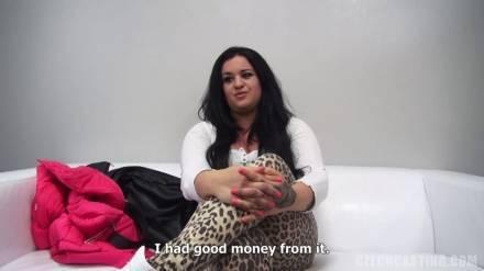 Чешский кастинг с толстенькой, но очень сексуальной девушкой
