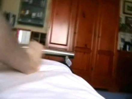 Большую задницу развратной нимфоманки парень натягивает на свою залупу и жестко долбит до упора